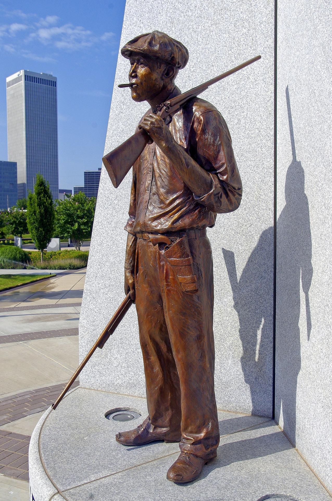 hostility-sculpture-in-tulsa-3910356_1920